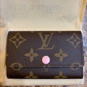 Louis Vuitton Accessories - Louis Vuitton 6 Ring Key Holder